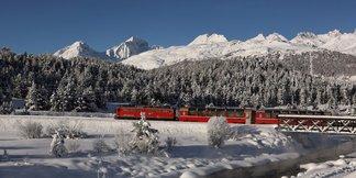 Mit Bus und Bahn in den Skiurlaub: Staufrei auf die Piste