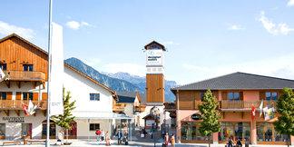 Shopping und Skifahren: Top Outlet-Hotspots am Rande der Pisten