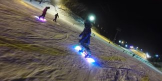 LED snowboard: ideálna doska na nočné jazdy - ©ENOMOTO manufacturing