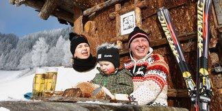 Hornoštajerská zima  – radovánky na snehu, vystrájanie so srnkami, šantenie vo vetre - ©Harry Schiffer