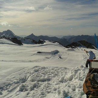Les 2 Alpes' snowpark Oct. 20, 2014