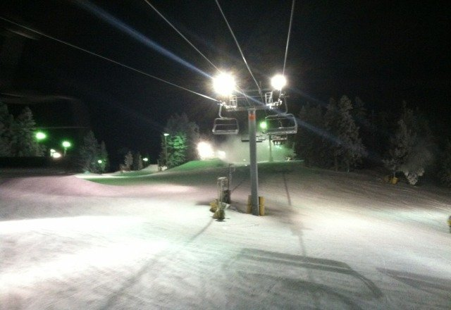 Went night boarding 1/28/2013.  not much fresh snow left except in trees and under blowers.  Chisolm and green runs were icy but Calamity, Wyatt and Borderline were not bad.