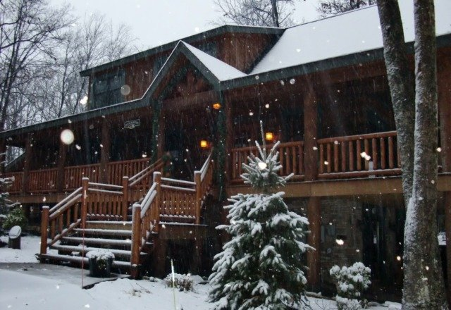 MERRY CHRISTMAS from Deep Creek Lake and Wisp