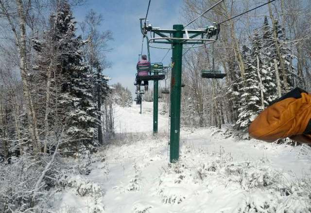One run only open, and bunny hill. Good snow after the last two storms. But dang is that chair on Ullr slow.