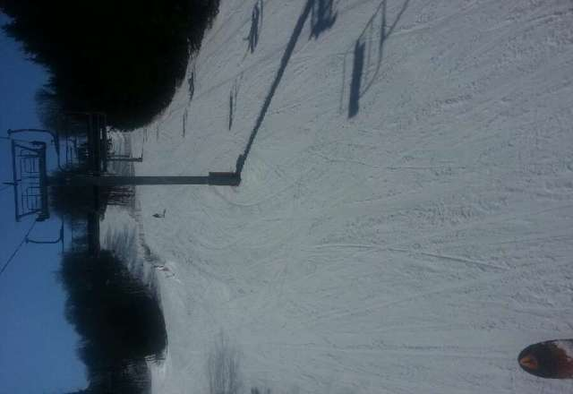 great conditions for close to spring ski.  place is empty. no line ups.