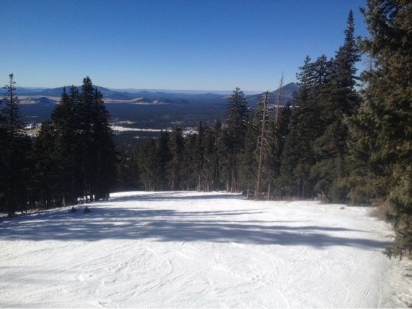 View from top of tinhorn! Gorgeous day at the Arizona SNOWBOWL! Life is good today!