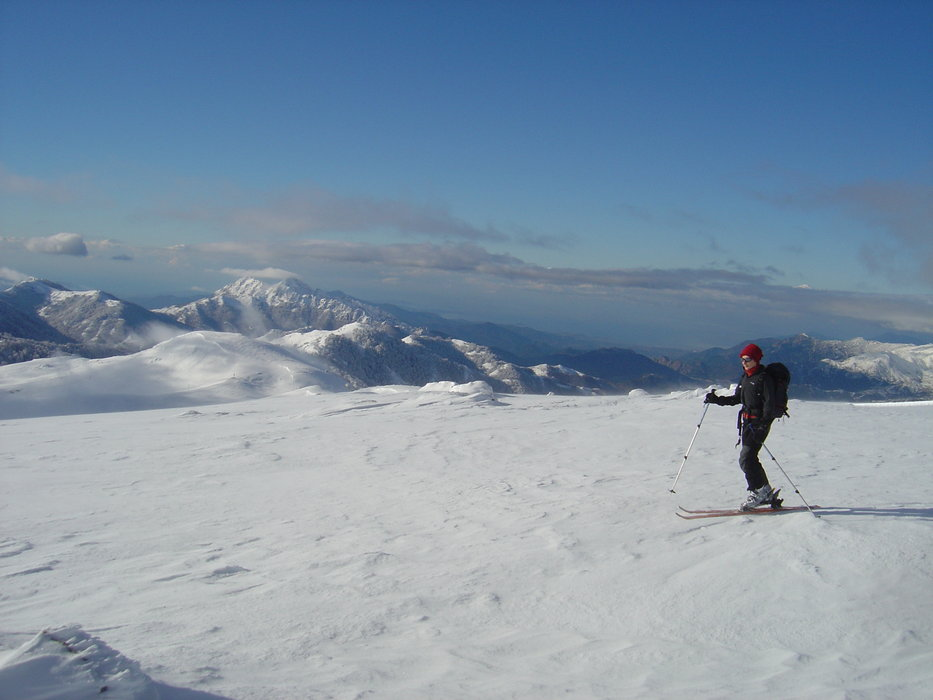 Beautiful sunny conditions on the slopes in Corsica.  - ©Montagnes de Corse.