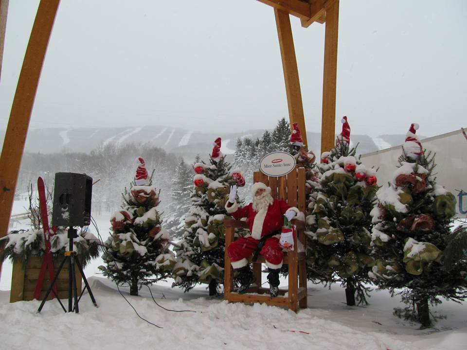 Santa waves hello at Mont-Sainte-Anne