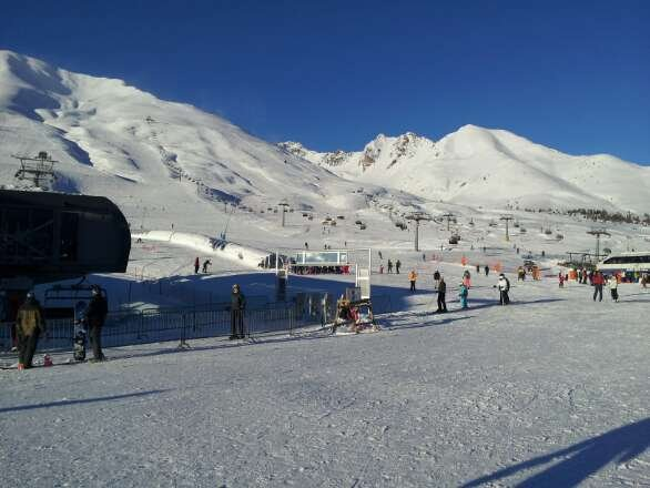 Tonale today...snow conditions are perfect! More snow this afternoon and this evening..
