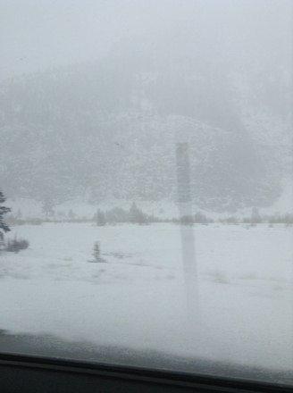 Poring snow