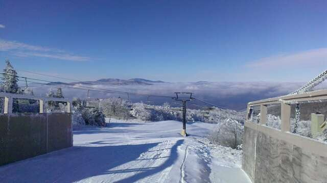 oz run was open yesterday, blue skies turned to cloudy and the snow was great. it seemed to get colder as the day went on