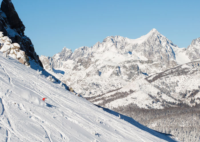 Big mountain skiing and even bigger views. There's a reason it's called Mammoth.