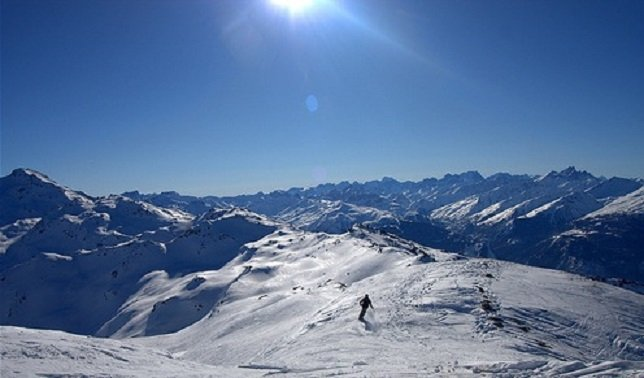 Freeriding down to Orelle from the top of La Masse - ©Anne Akers