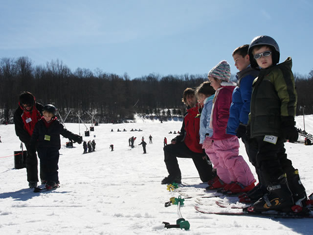 Kids in line at the Shawnee Mountain ski school.