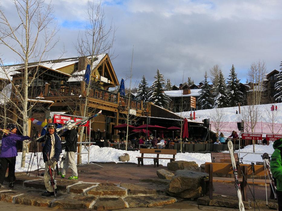 Apres ski fun in Snowmass