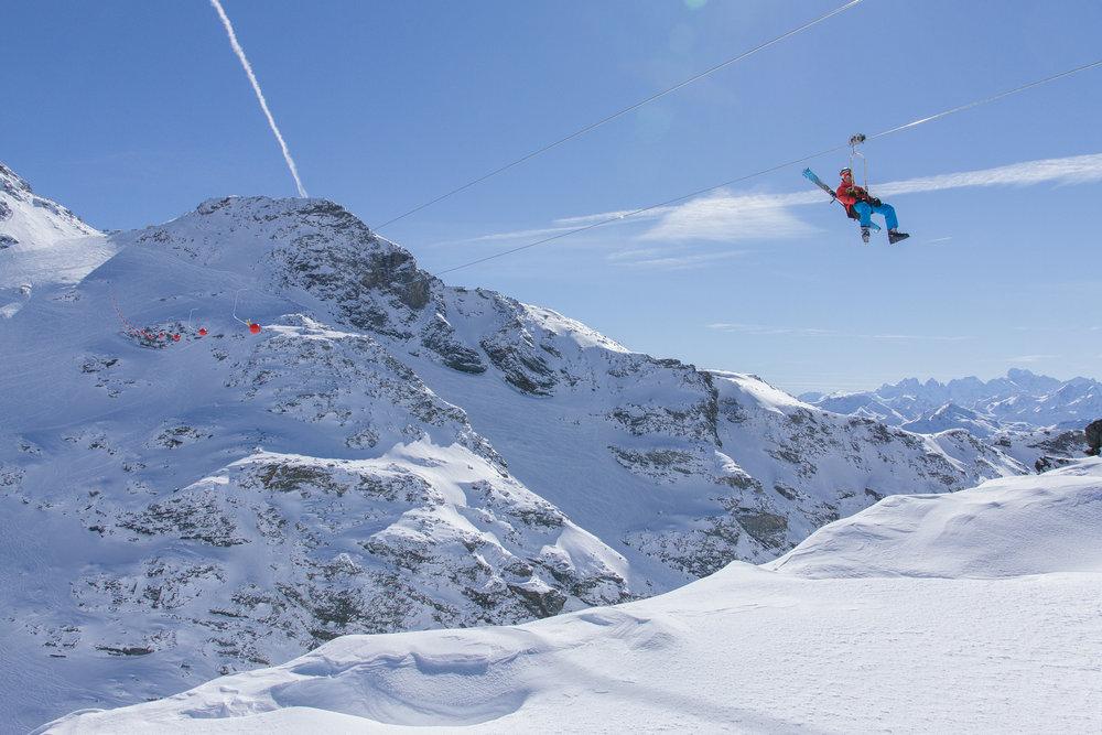 La tyrolienne de val thorens 1 minute 45 de pur plaisir dans un panorama couper le souffle - Office de tourisme val thorens ...