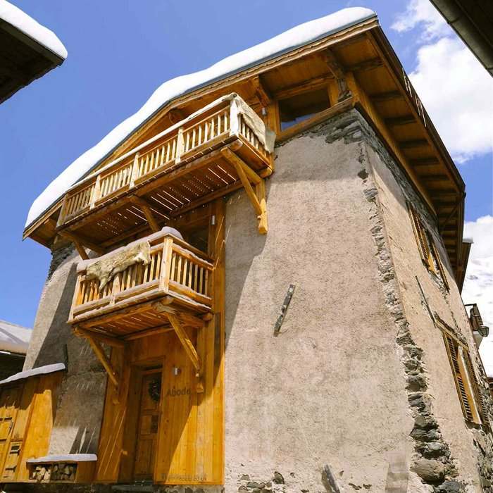Chalet Abode - www.thealpineclub.co.uk - ©the alpine club @ Skiinfo Lounge