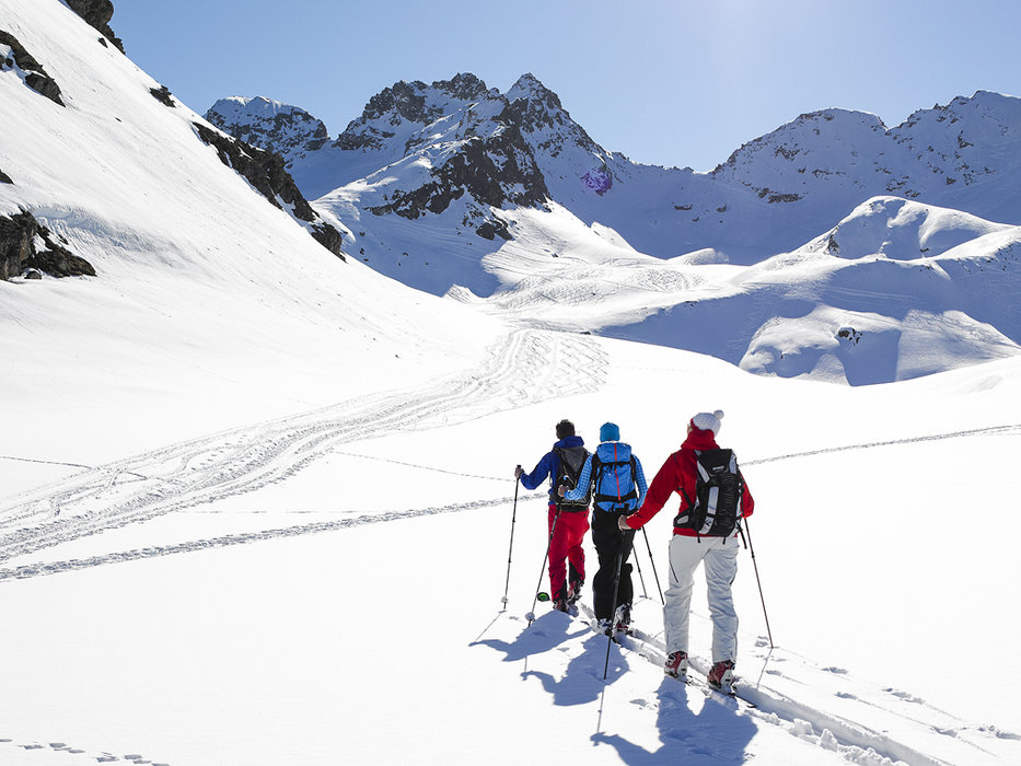 Together on the slope , through the flashy snow - ©Skigebiet Silvretta-Bielerhöhle