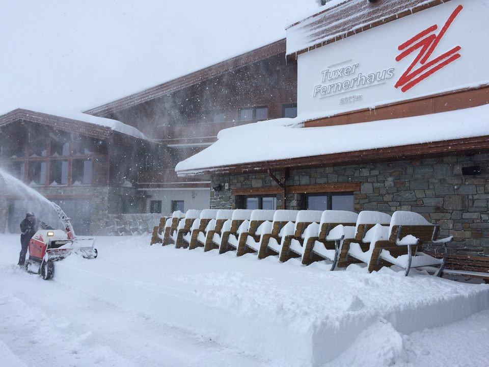 6.11.2014: Neuschnee satt am Hintertuxer Gletscher