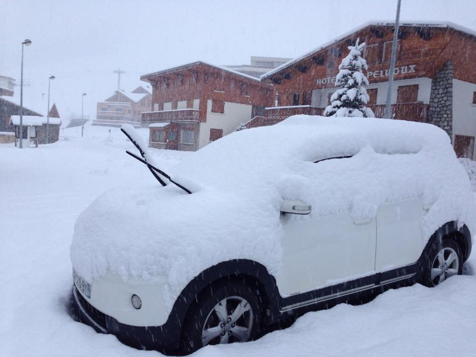 40 cm of fresh snow in Alpe d'Huez (FRA) - Nov 17, 2014 - ©OT Alpe d'Huez