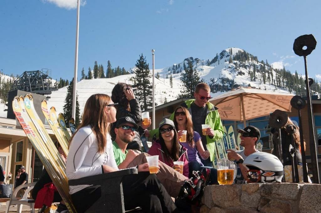 Affectionately known as the Chammy, this particular bar is the stuff of legend, where every Squaw skier you have ever heard, or will never hear of, comes to grab a beer, a slice and a little social scene to round out the ski day.  - ©Le Chamois and Loft Bar