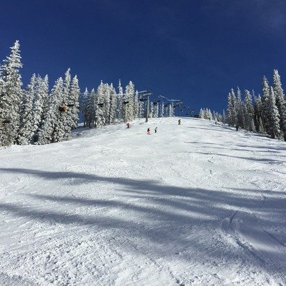 A lovely clear day on the slopes in Telluride.  Nice powder could still be found and no crowds to be seen.