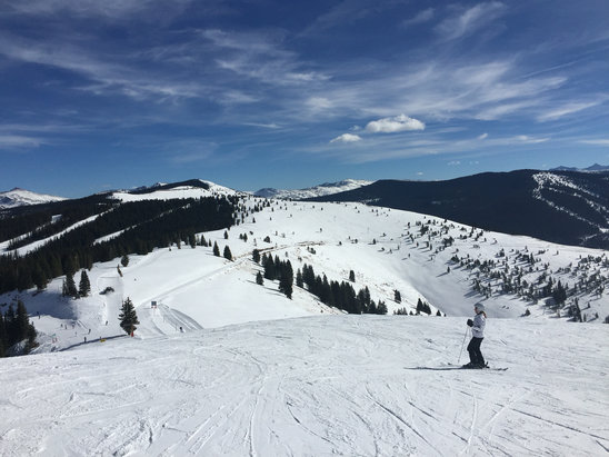 Vail - Good conditions for early ski. Some nice groomers and no crowds!  - ©iPhone de Alberto Aceves