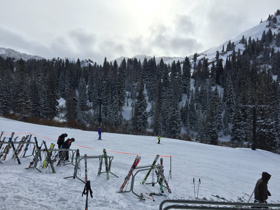 Alta Ski Area - Nice skiing day ! - ©stephenlaz