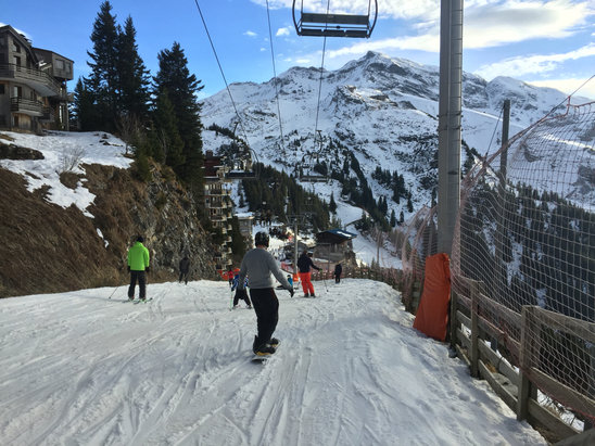 Avoriaz - Run back in to Avoriaz to the top of Prodains - very slushy and bumpy - praying for snow  - ©Mathew's iPhone