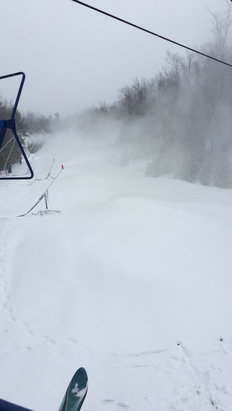 Pats Peak - Good powder conditions & no lines - ©Alex