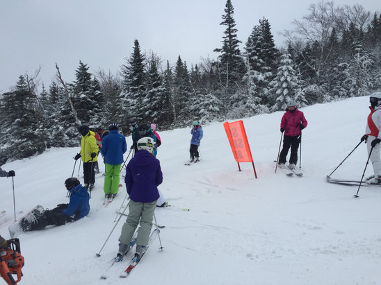 Sugarloaf - Packed too busy slow lifts they need more trails open. Literally 20-30 skiers around you on every trail black blue green  - ©Ivan Valdvotch