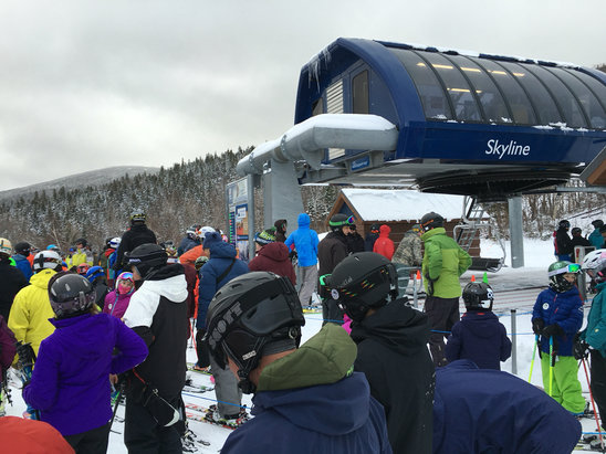 Sugarloaf - Good crowds, good snow and conditions - ©Gavan's iPhone