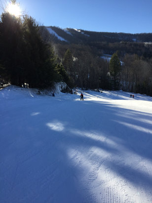 Windham Mountain - We had a great day at Windham. Mountain was empty. They were blowing snow like crazy all day. We just need one good snow storm here to push things over the top. The staff and instructors at Windham are always great. Overall, the conditions were better than we expected.  - ©4Beanz