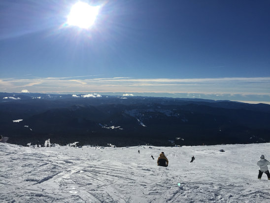 Timberline Lodge - Firsthand Ski Report - ©Dan's iPhone