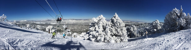 Bear Mountain - One of the best days I've ever skied locally - great snow today! - ©zrinko.vuk's iPhone