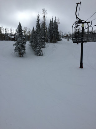 Brian Head Resort - Empty slopes and no lines! The snow has held up really well. Great day to ski - ©Alex's iPhone 6