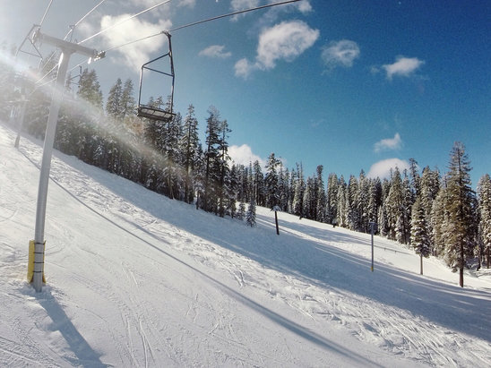 Sierra-at-Tahoe - Firsthand Ski Report - ©Mighty Selphie