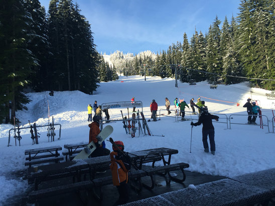 The Summit at Snoqualmie - Firsthand Ski Report - ©booya