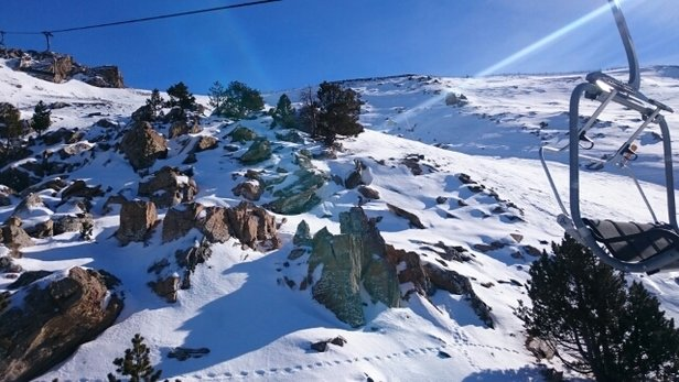 Grandvalira - il faut aller chercher les versants au sud pour trouver la neige molle. Mais il y en a ! - ©tonylife