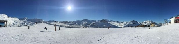 Tignes - no new snow this week wall to wall sunshine more snow early next week  - ©petederbyshire2