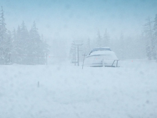Mt. Bachelor - Afternoon storm patrol strikes again! Free refills abound friday - ©dr fun