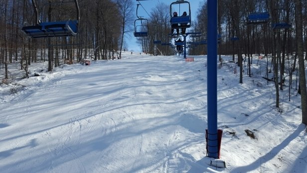 Shawnee Mountain Ski Area - sub optimal conditions never the less still fun. lift lines go fast lot of kids but haven't had an issue with them. small mountain over all base is ice..  - ©kocho333