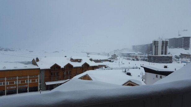 Tignes - lots of fresh powder. non stop snow all day! - ©smash.f