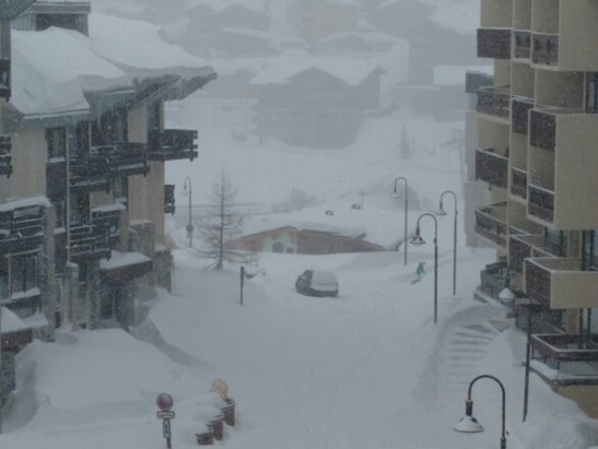 Tignes - Loads of new snow over the last 24 hours.  Visibility very poor. - ©Rich