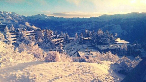 Praloup - Présent sur le domaine depruis le 6 nous avions peur du manque de neige, mais il a neigé 1jrs/2. Aujourd'hui nous sommes le 10 le haut du domaine fut fermé en début d'après midi pour cause de vent. - ©philcelow