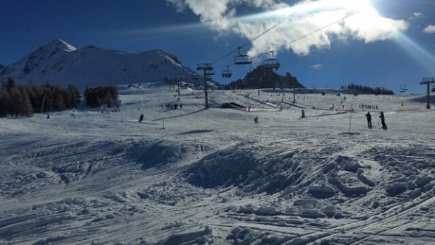 Peisey Vallandry - Finally blue skies and brilliant sunshine - wonderful skiing conditions. - ©n_wilky