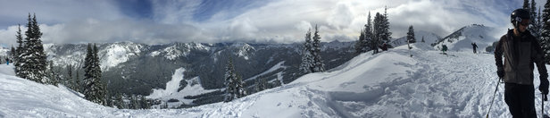 Crystal Mountain - Great conditions on Saturday morning. Fresh pow for a few hours before it got skied out.   - ©iPhone