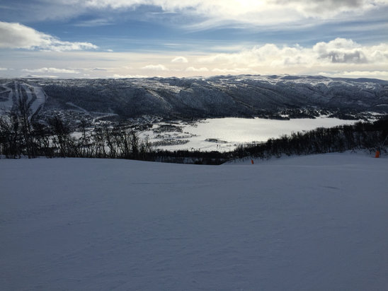 Geilo - Norwegian half term and the slopes are still empty , a joy to ski  - © LINTON's , iphone