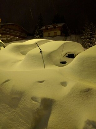 Alpe d'Huez - lots of snow, there's a car here somewhere. - ©anonymous user