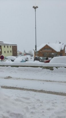Alpe d'Huez - tons of snow - ©desclarke